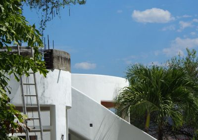 Quinta Side View